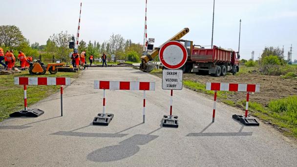 Informácia ouzávere Vinohradníckej ulice a cesty II/572 v Moste pri Bratislave